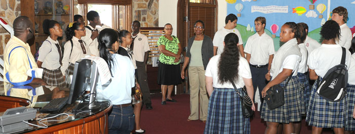 Open house brings high school students to UVI's library.